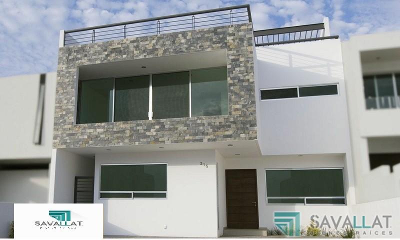 Savallat bienes raices casa en renta en lomas de for Casas modernas juriquilla queretaro