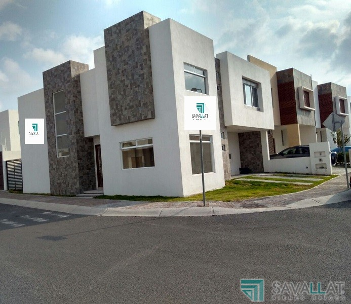 Savallat bienes raices casa en venta en la condesa for Casas modernas juriquilla queretaro